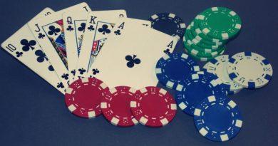 poker live o poker online?